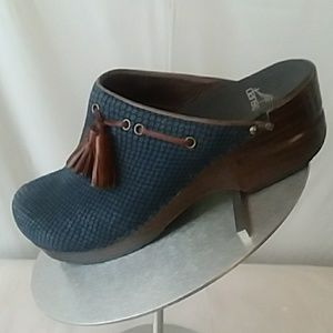 Dansko Leather Blue And Brown  Clogs Sz 38